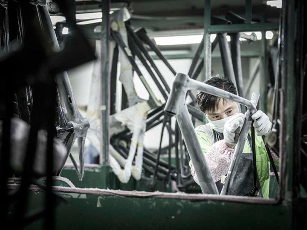 Praca detaliczna na gotowej ramie. Foto: Merida Bikes