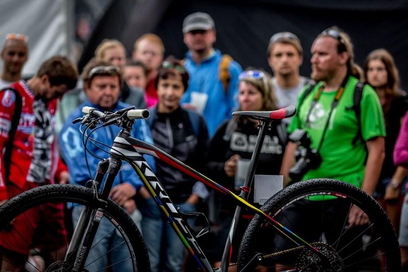 Prezentacja_roweru_na_MS_MTB_Fot_Piotr_Staron